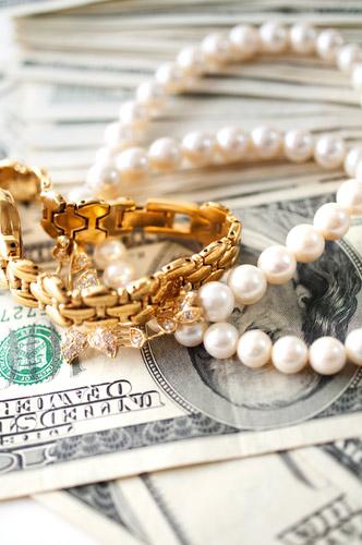 rola biżuterii